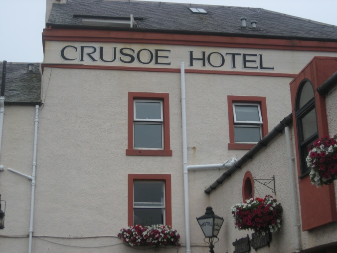 LARGO CRUSOE HOTEL